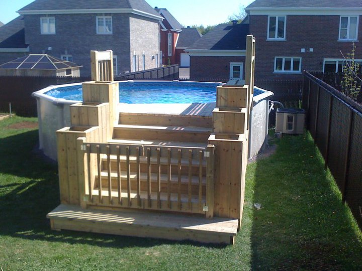 Patios decks piscine patio bois trait for Patio design piscine hors terre