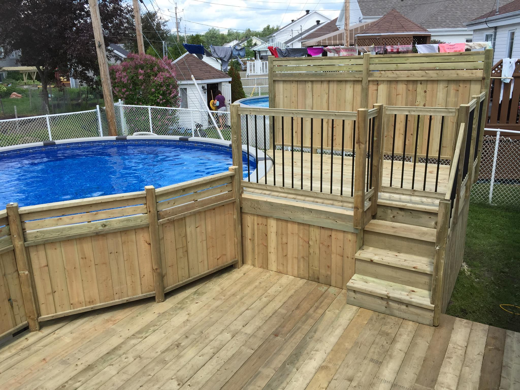 Patios decks piscine patio bois trait for Piscine hors terre